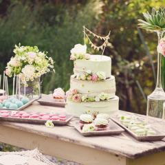 Naked Cake und Vintage Dekoration