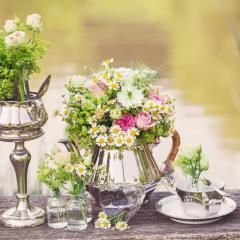 Silber und Blumen